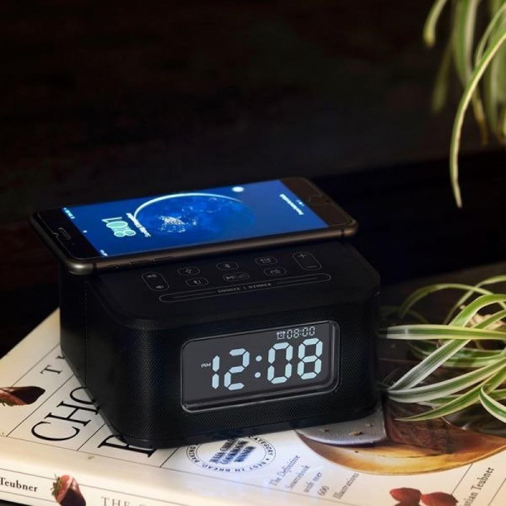 ساعة منبه مع مكبر سماعة ومنصة شحن لاسلكي كلاسيكية اسود اللون