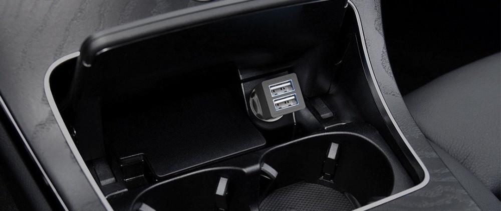 شاحن ألوكاكوك USB بمنفذين لشحن جهازين نفس الوقت للسيارة لون اسود