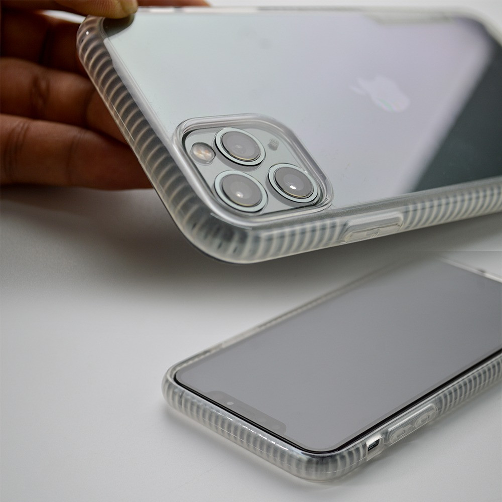 XPANTHER  Flexible and pure clear case anti shock and luxury design