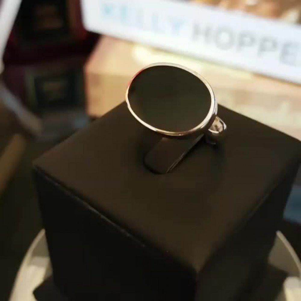 خاتم ملكي راقي مرصع بحجر أونكس أسود فخم