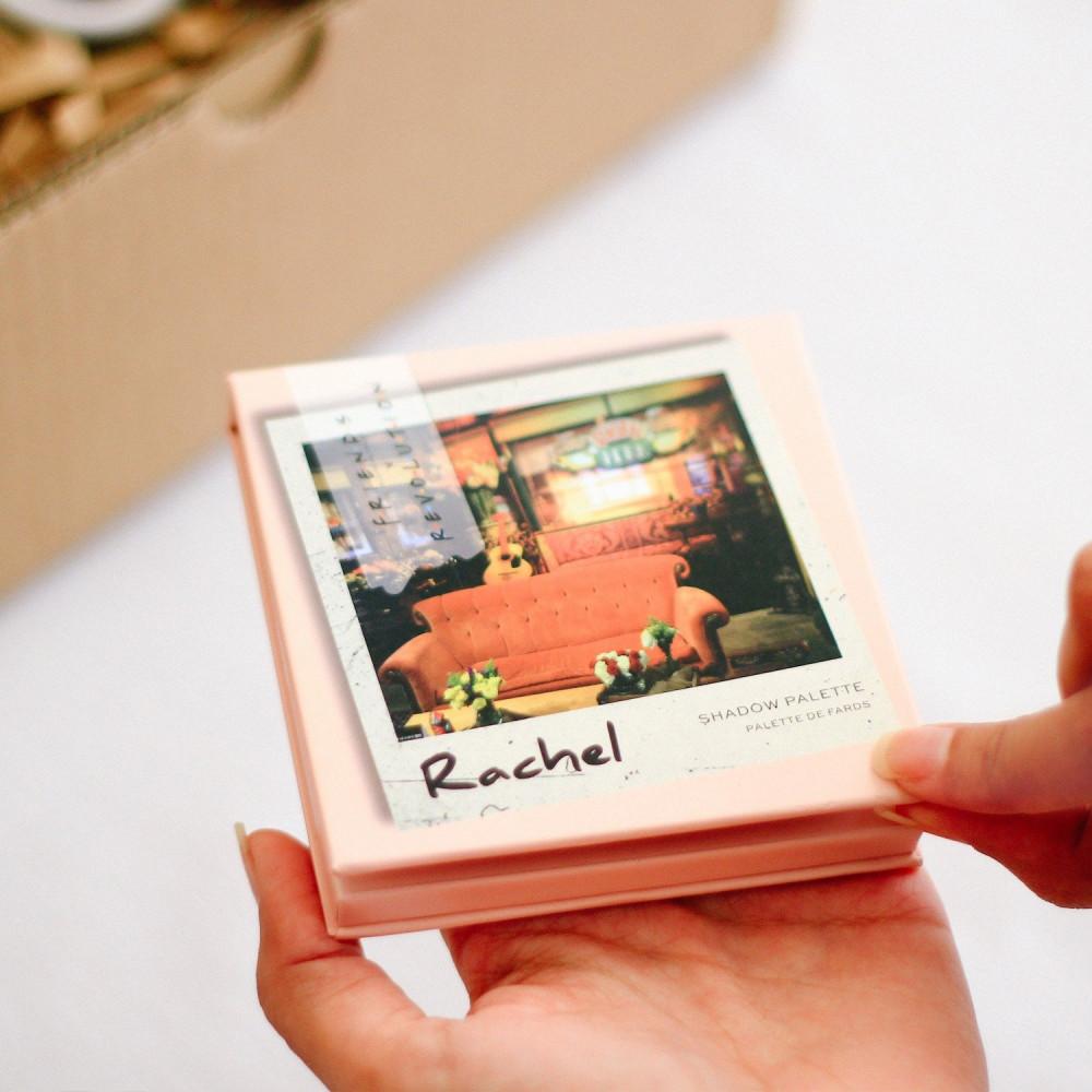 صندوق هدية لعشاق مسلسل فريندز هدايا باليت شدو مسلسل فريندز متجر هدايا