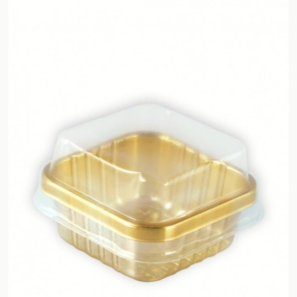 علب بلاستيك مربعة صغيرة