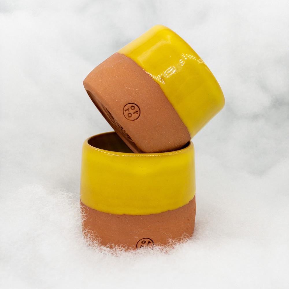 كوب فخار يدوي من الطين تصنيع يدوي قهوة سوداء و فلات وايت و اسبرسو