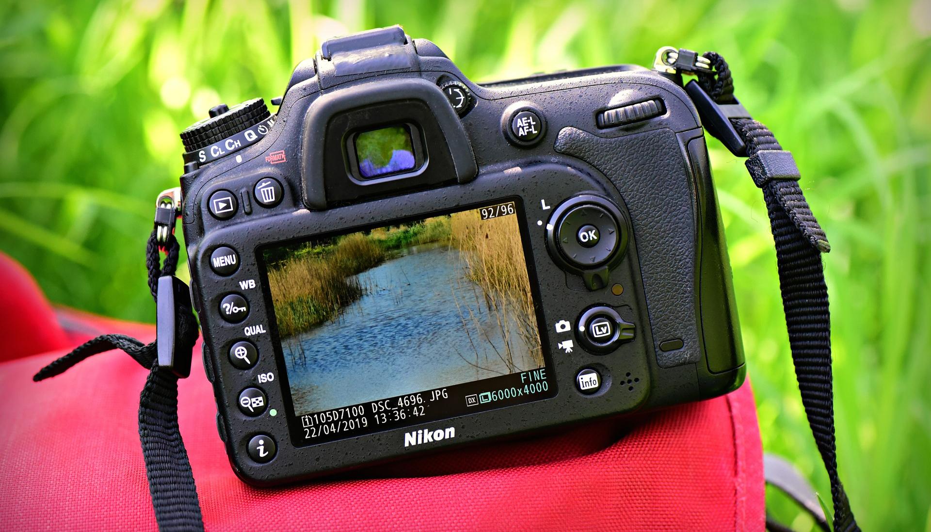 كاميرات تصوير