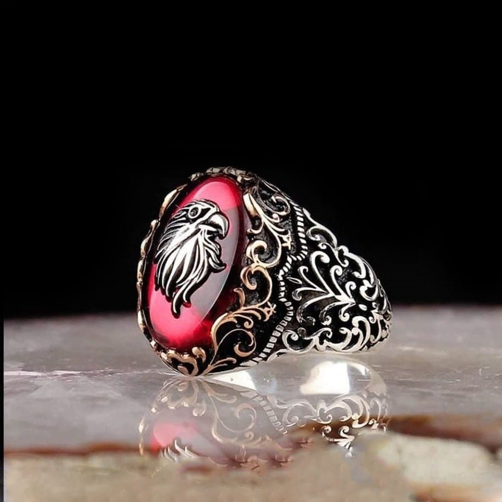 خاتم فخم مزين بفضة تصميم راس صقر