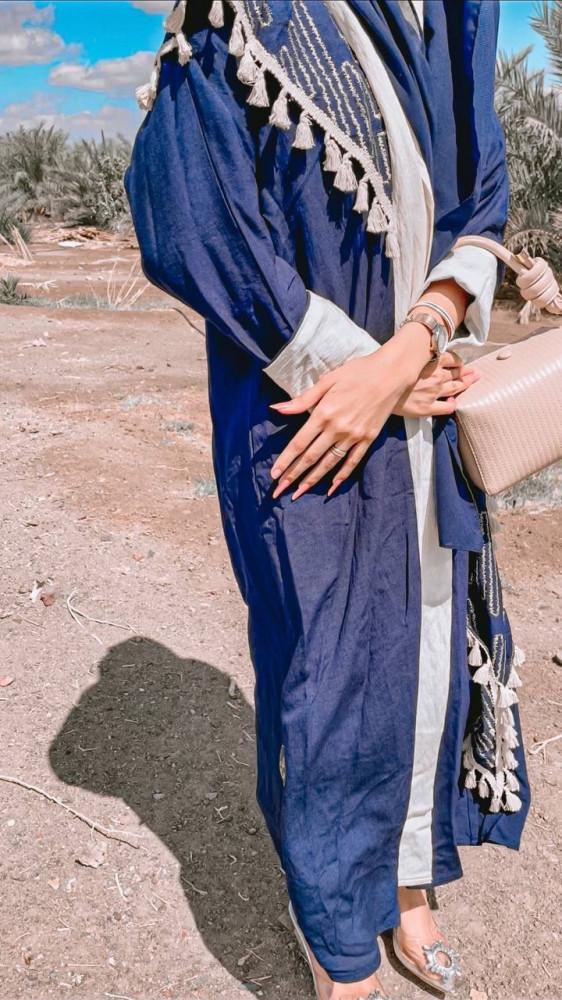 عبايات باللون الازرق - قماش بحريني - متجر ميم عباية