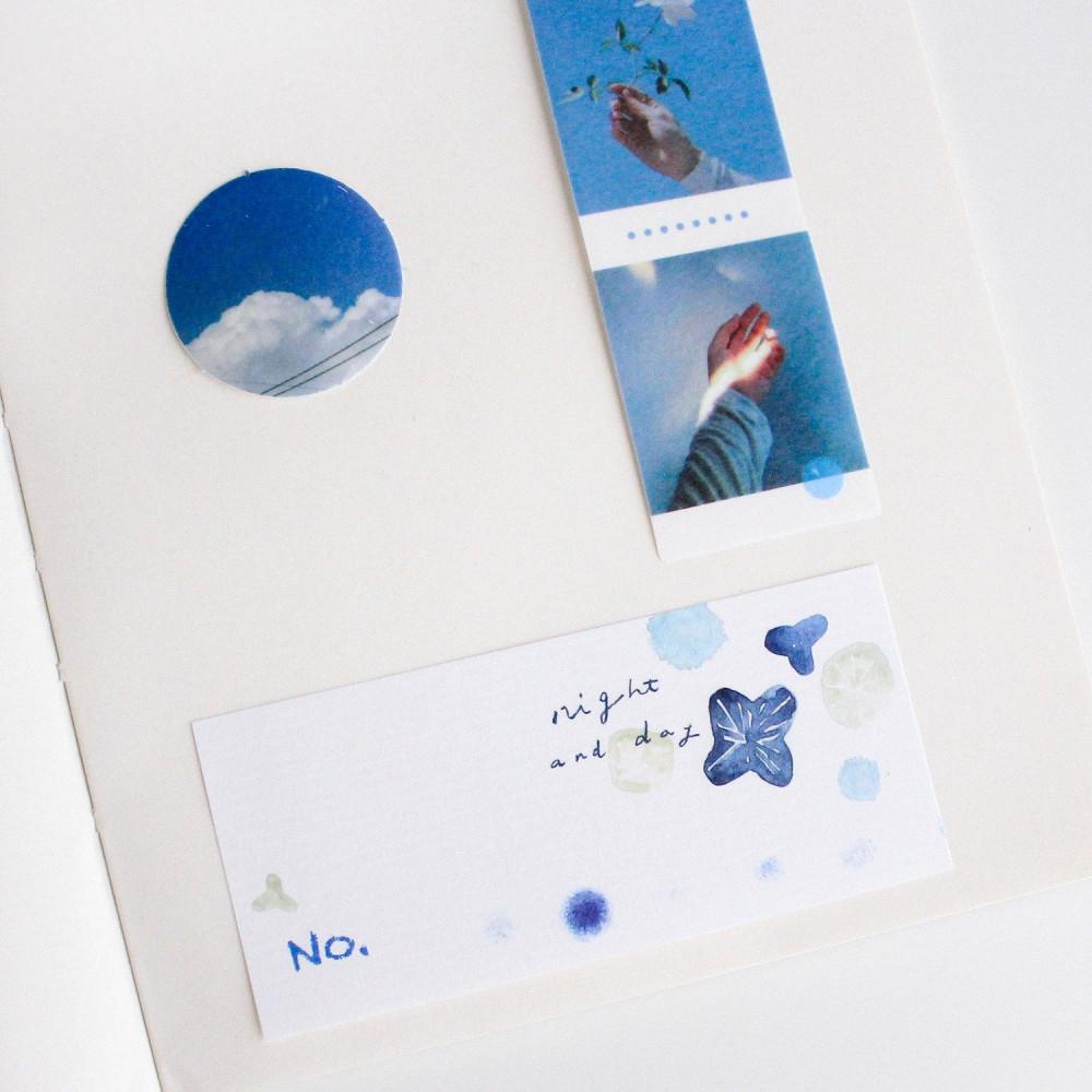 ستيكر طريقة عمل الكولاج ستيكرات لابتوب ستيكرات لون أزرق سماء بحر متجر