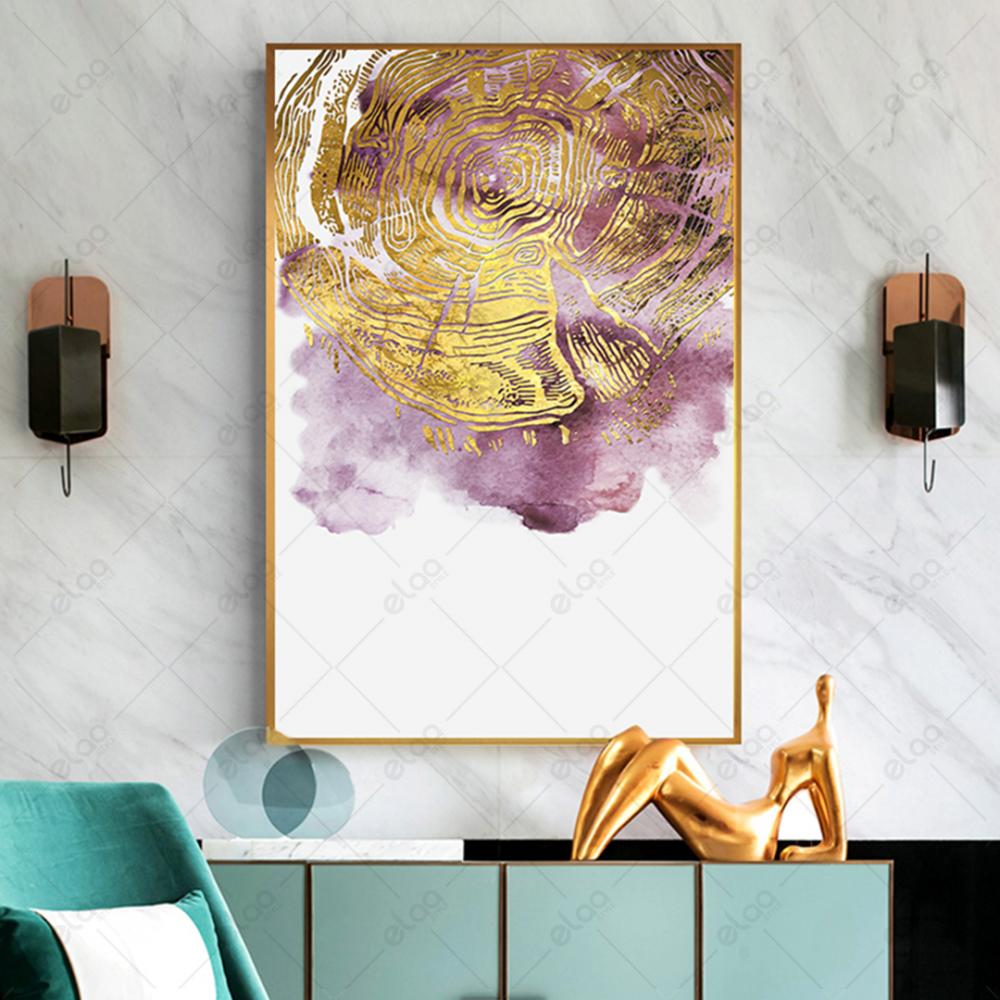 لوحة فن تجريدي بدرجات اللون الموف واللون الذهبي