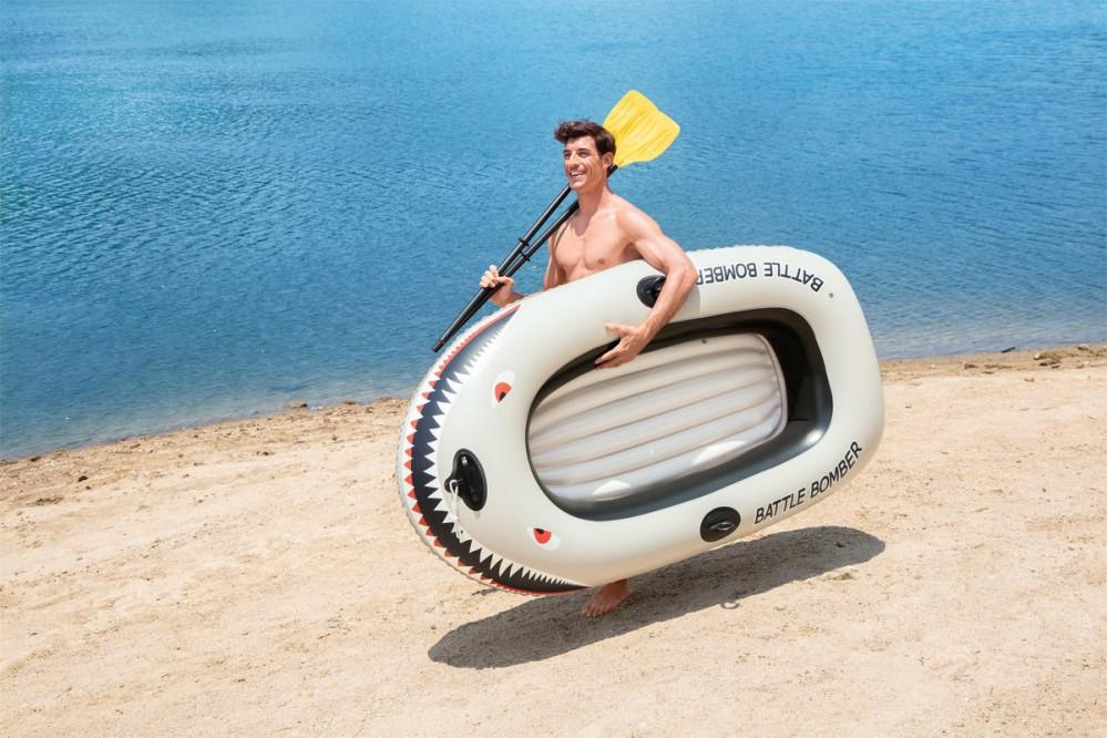 قارب مطاطي