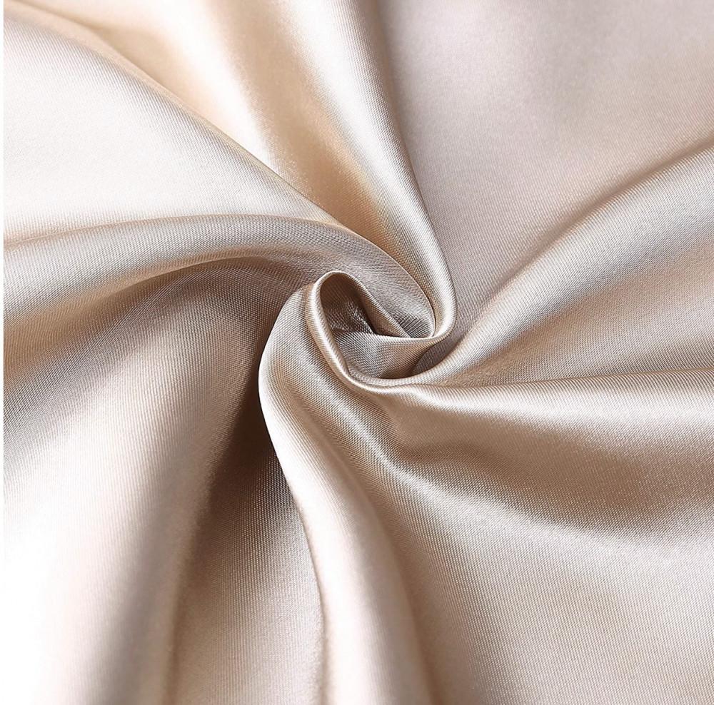 غطاء وسادة مصنوع من الساتان الناعم اللون ذهبي