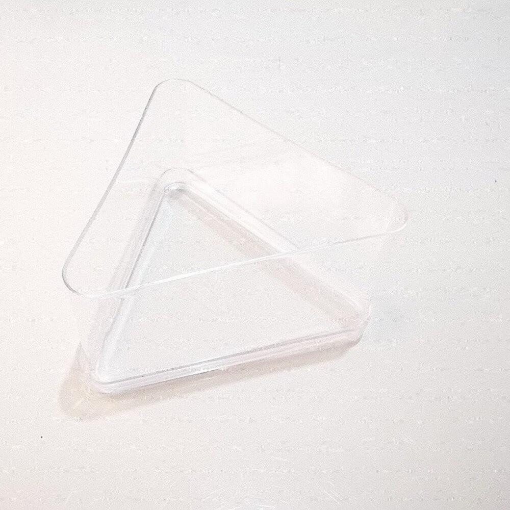 علب اكريلك مثلث