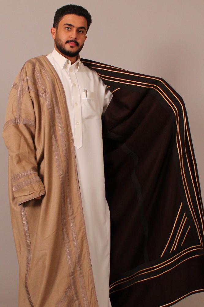 فروة قماش كشميري حورانية مطرزة بخيوط حرير عودي بيج