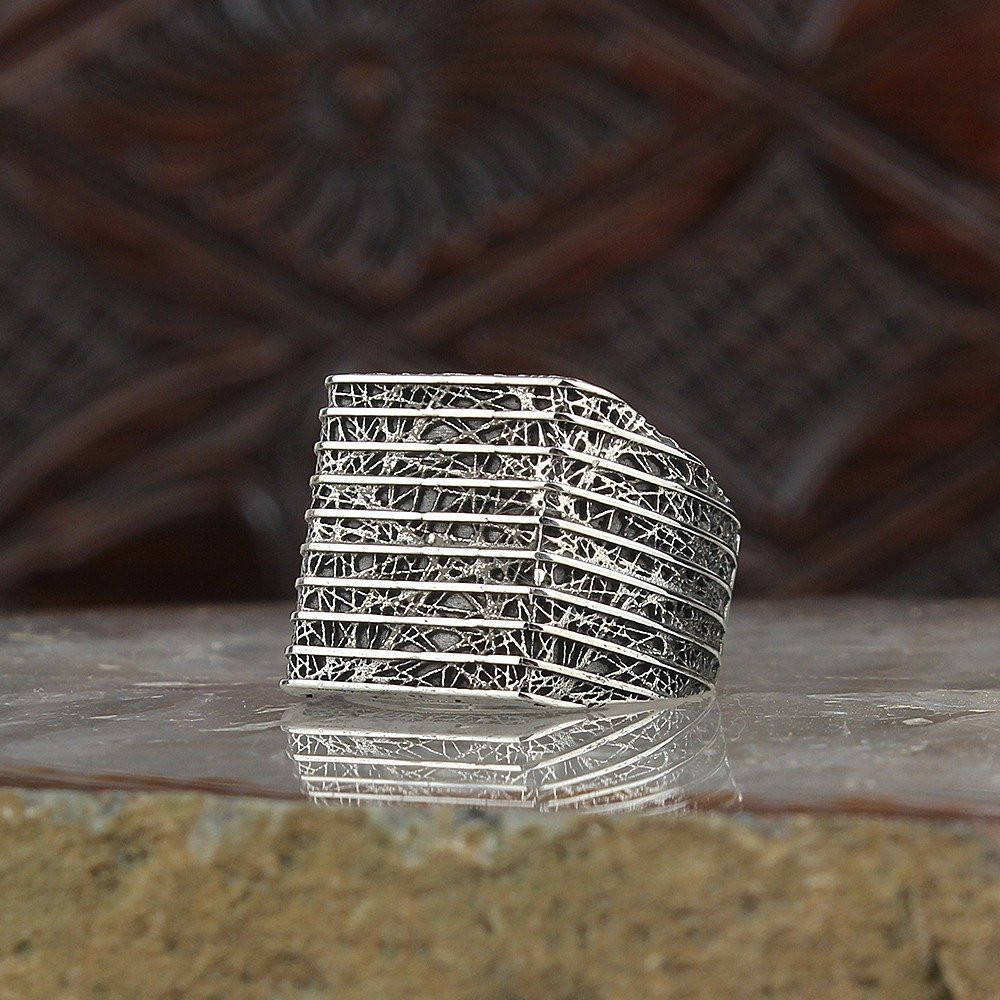 خاتم من الفضة الخالصة بالكامل