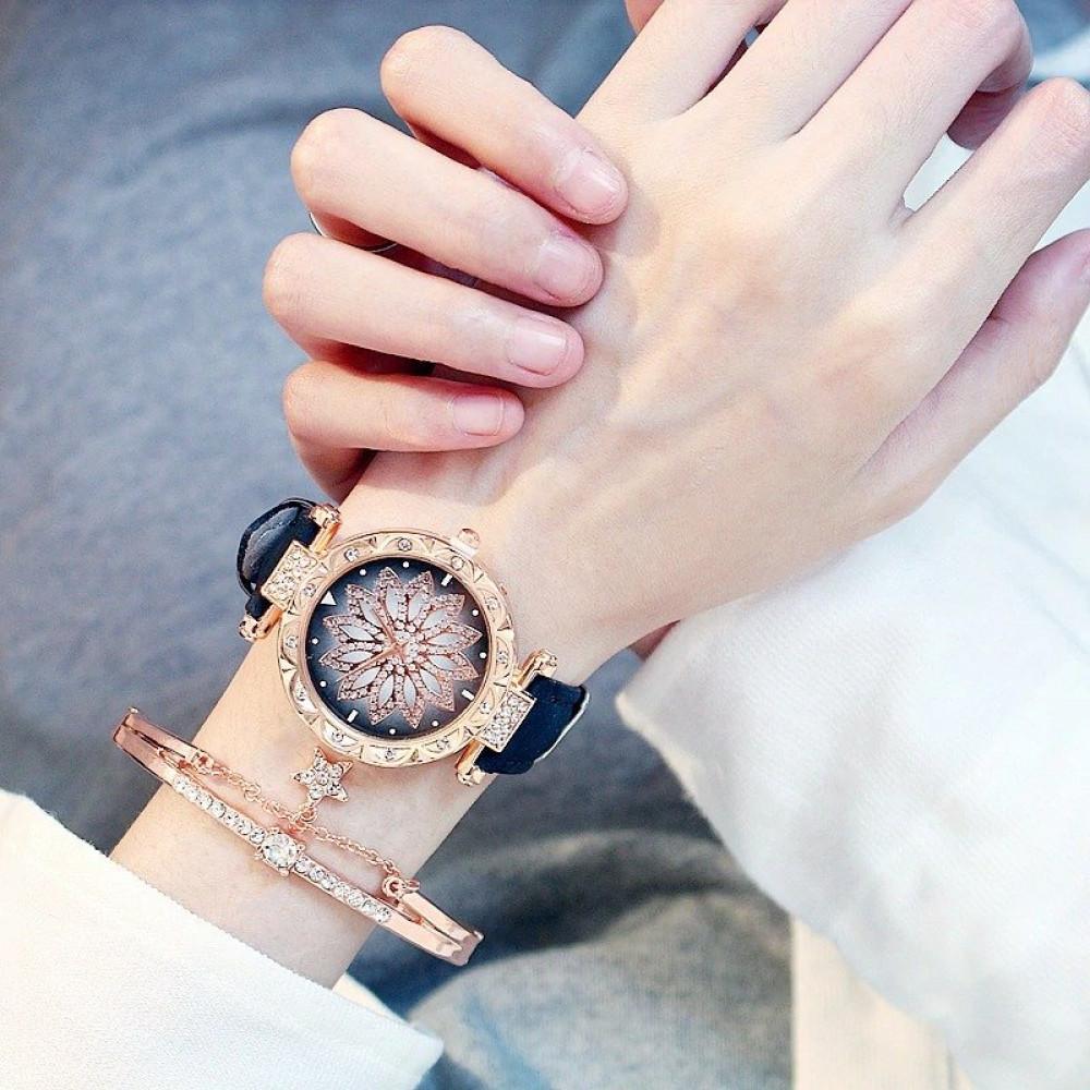 ساعة يد نسائية مرصعة بالألماس بسوار جلد