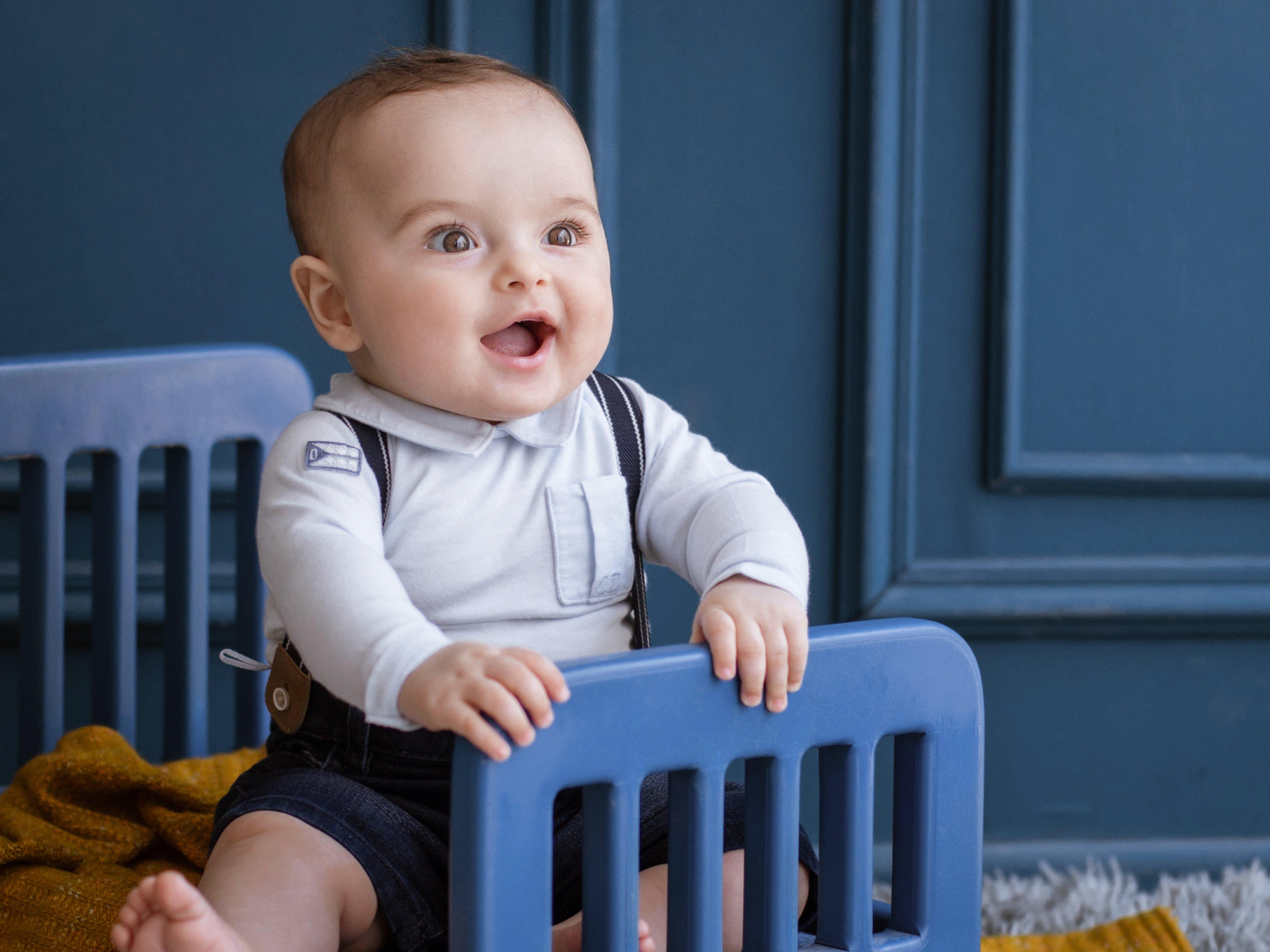 ملابس الرضع - (من الولادة إلى سنتين)