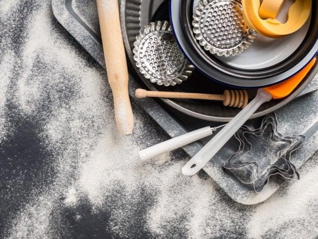 أدوات الخبز والكيك