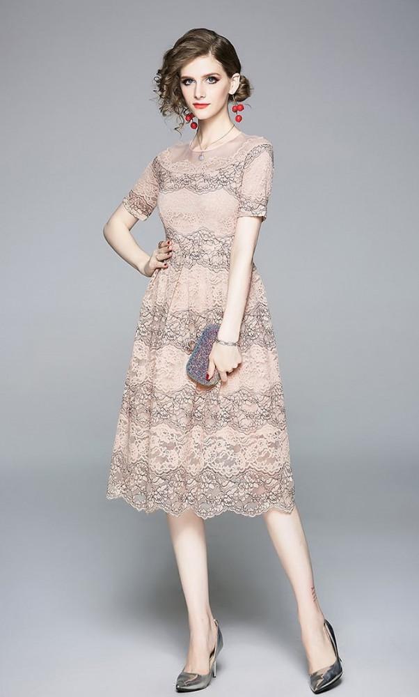 فستان دانتيل وردي