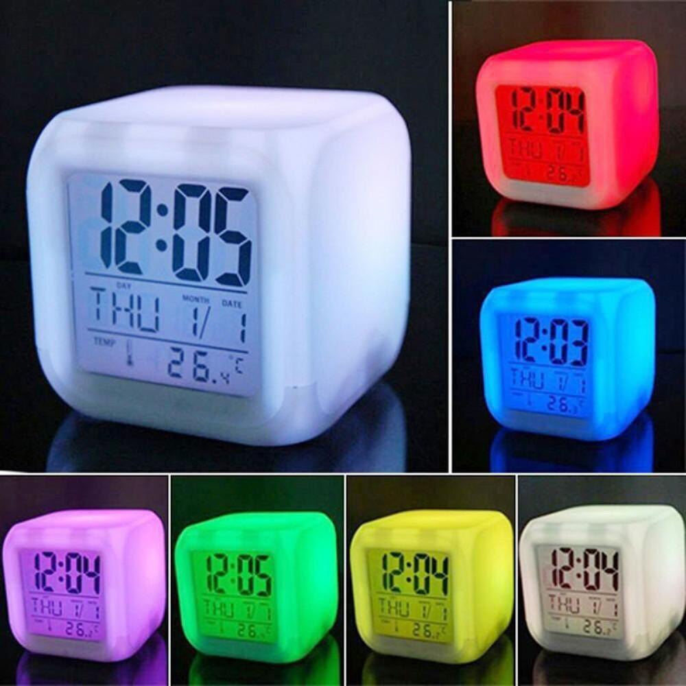 ساعة رقمية متعددة الالوان مع منبه وقياس درجة الحرارة
