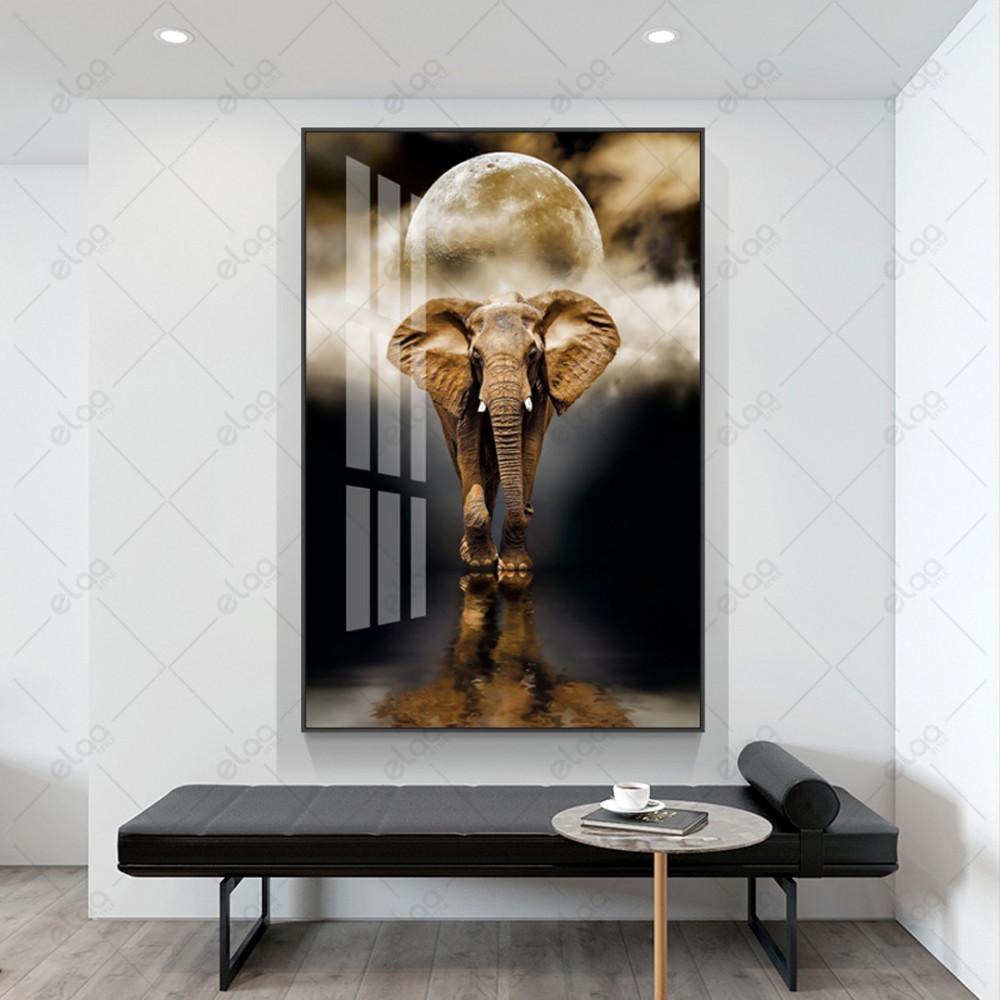 لوحة جدارية منظر طبيعي لفيل وقمر  بخلفية سوداء