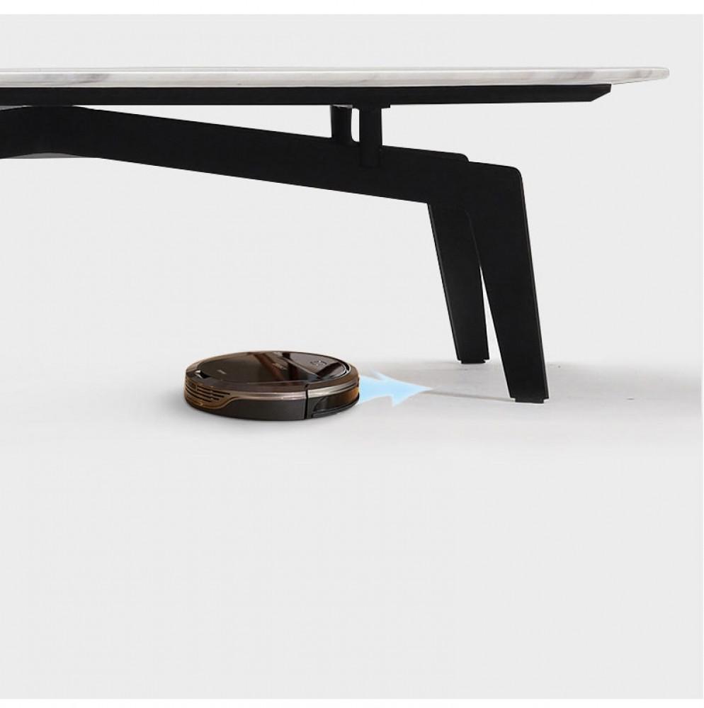 طاولة من رياش آب