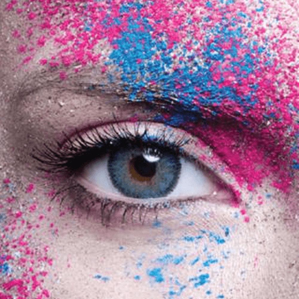 عدسات ملونة من انستازيا انستيتك بلو