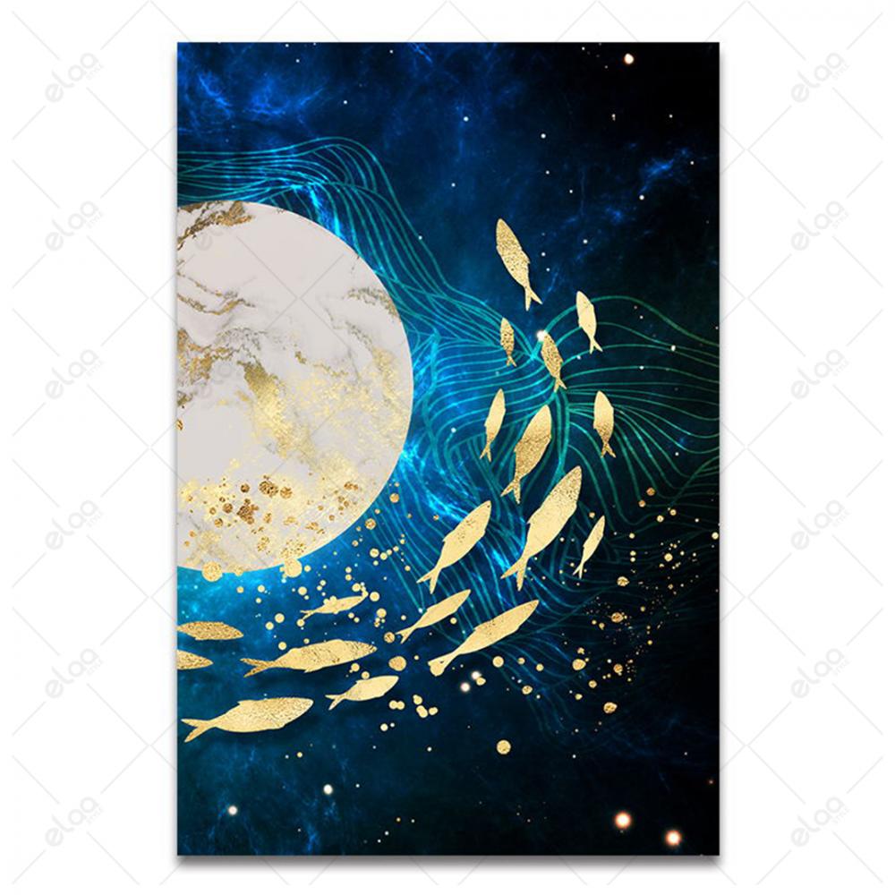 لوحة فن تجريدي لأسماك صينية باللون الذهبي وخلفية درجات اللون الازرق ال