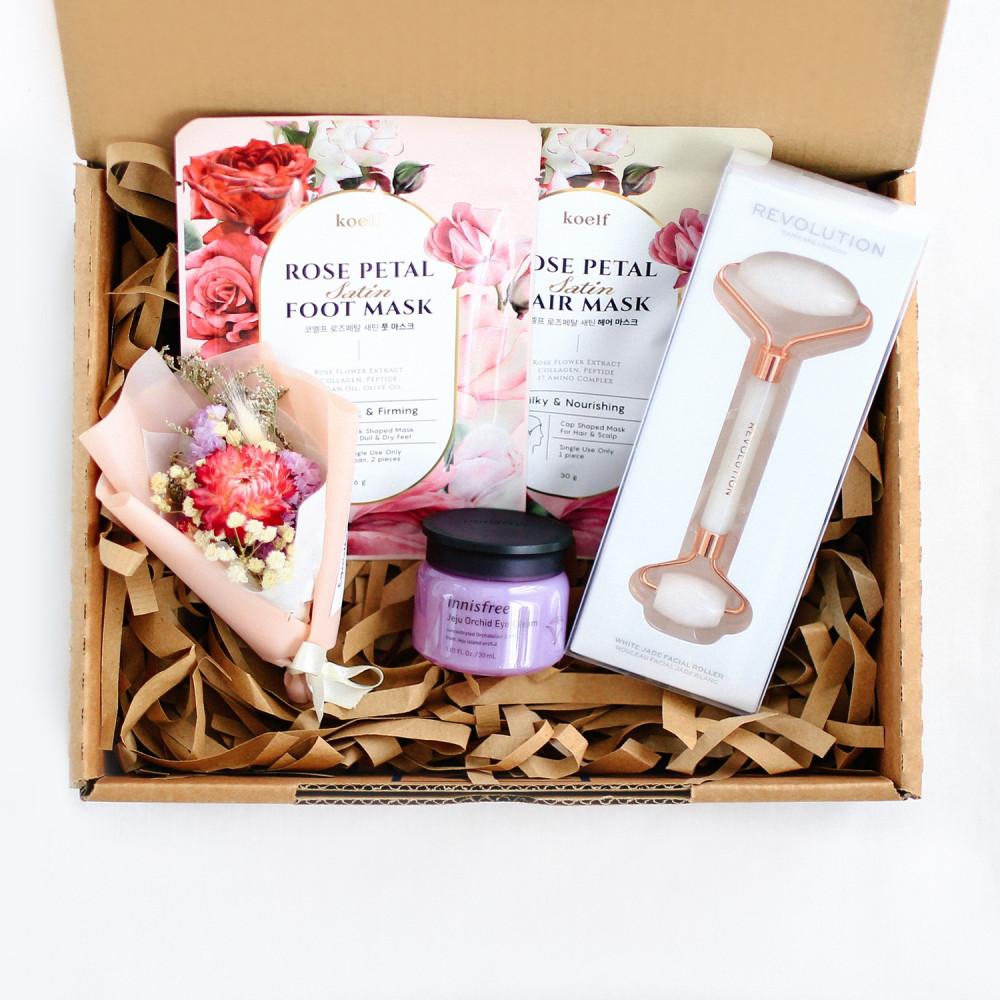 هدايا عيد الأم أفكار هدية للأم متجر هدايا محل توصيل هدايا الأم الرياض