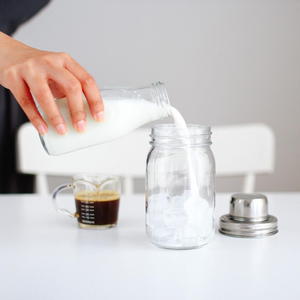 آيسد لاتيه سبانش لاتيه بستاشيو لاتيه القهوة المثلجة شيكر قهوة بروتين