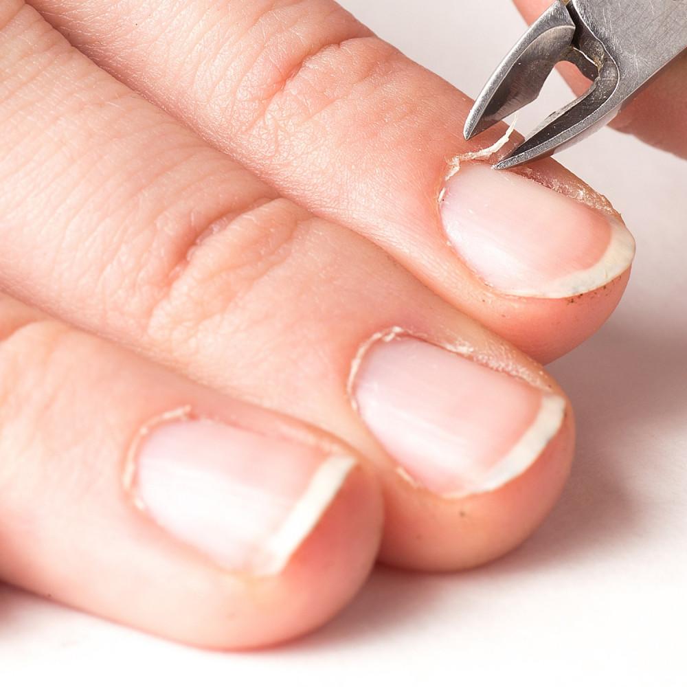 مزيل الجلد الميت حول الأظافر بدكير ومنكير اظافر طريقة العناية بالأظافر