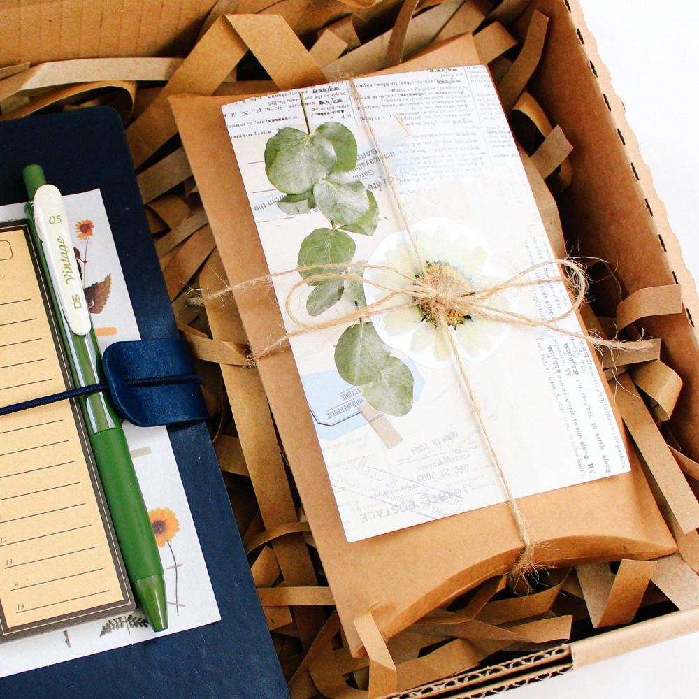 أفكار تغليف هدية ستيكرات فنتج أدوات الكولاج طريقة تصميم الكولاج متجر