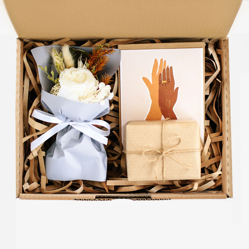 هدية مغلفة لصديقتي أفكار هدايا زواج خطوبة محل هدايا أون لاين توصيل