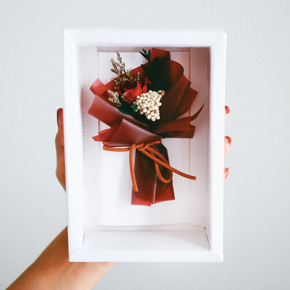 بطاقة هدية  صندوق ورد أحمر باقة عيد الميلاد كرت مع ورد مجفف معالج متجر