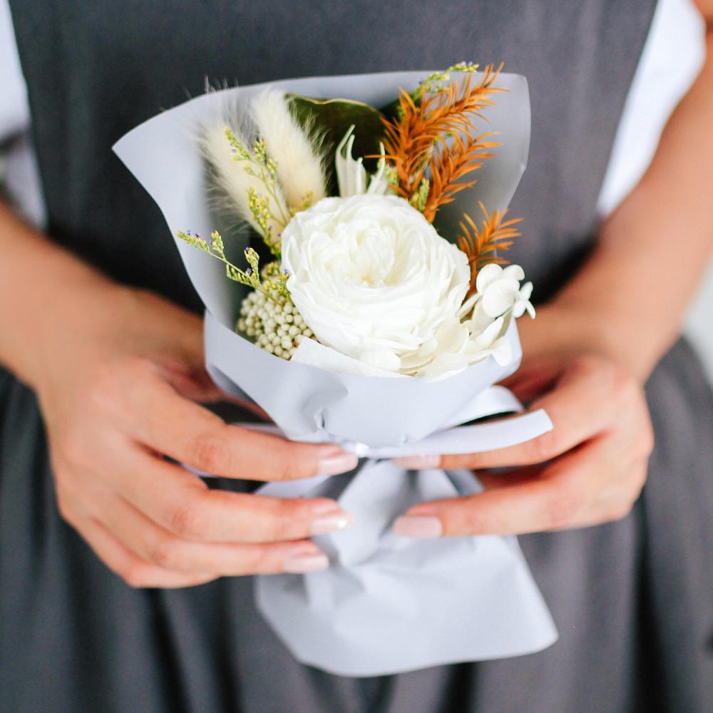 باقة ورد طبيعي أبيض باقة ورد صغيرة اجمل باقة ورد رومانسية أفكار هدايا