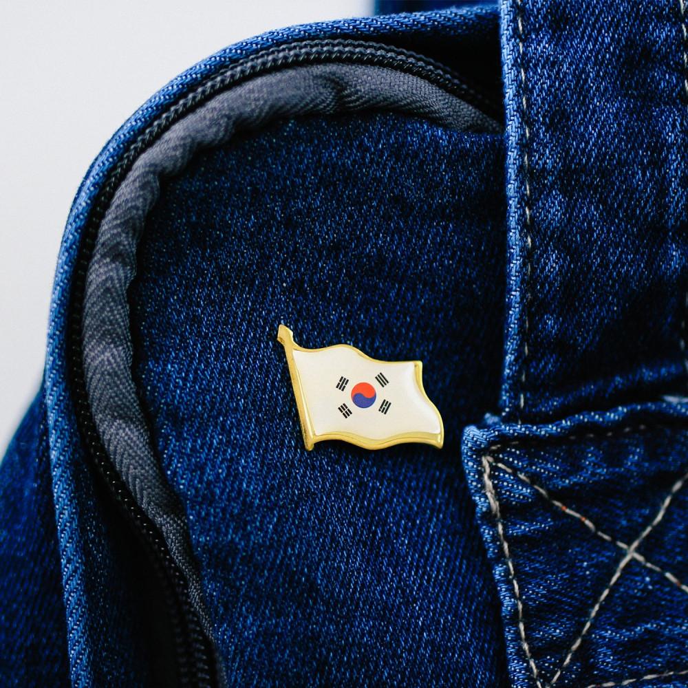 موقع كوري بي تي اس BTS فيلم كوري مسلسلات كورية بروش حقيبة مدرسية متجر