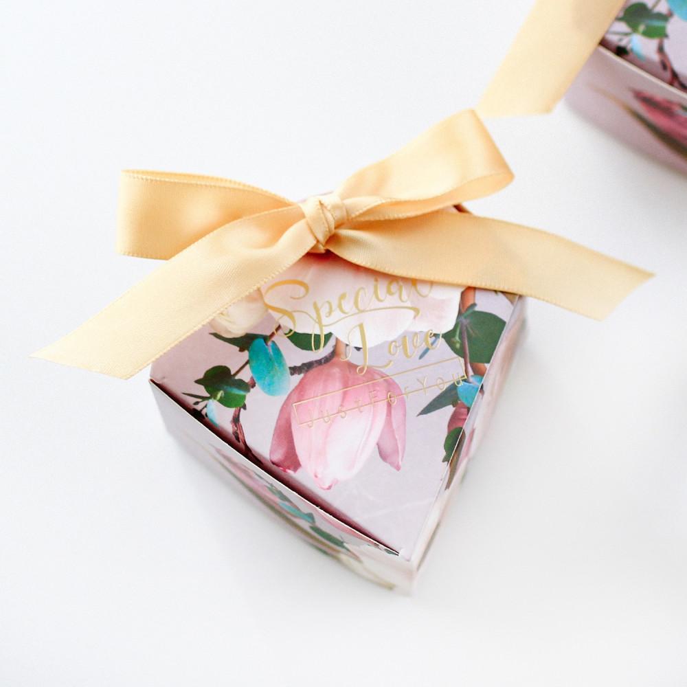 عيديات للكبار تجهيزات العيد أفكار توزيعات عيد الأضحى هدايا التخرج علب