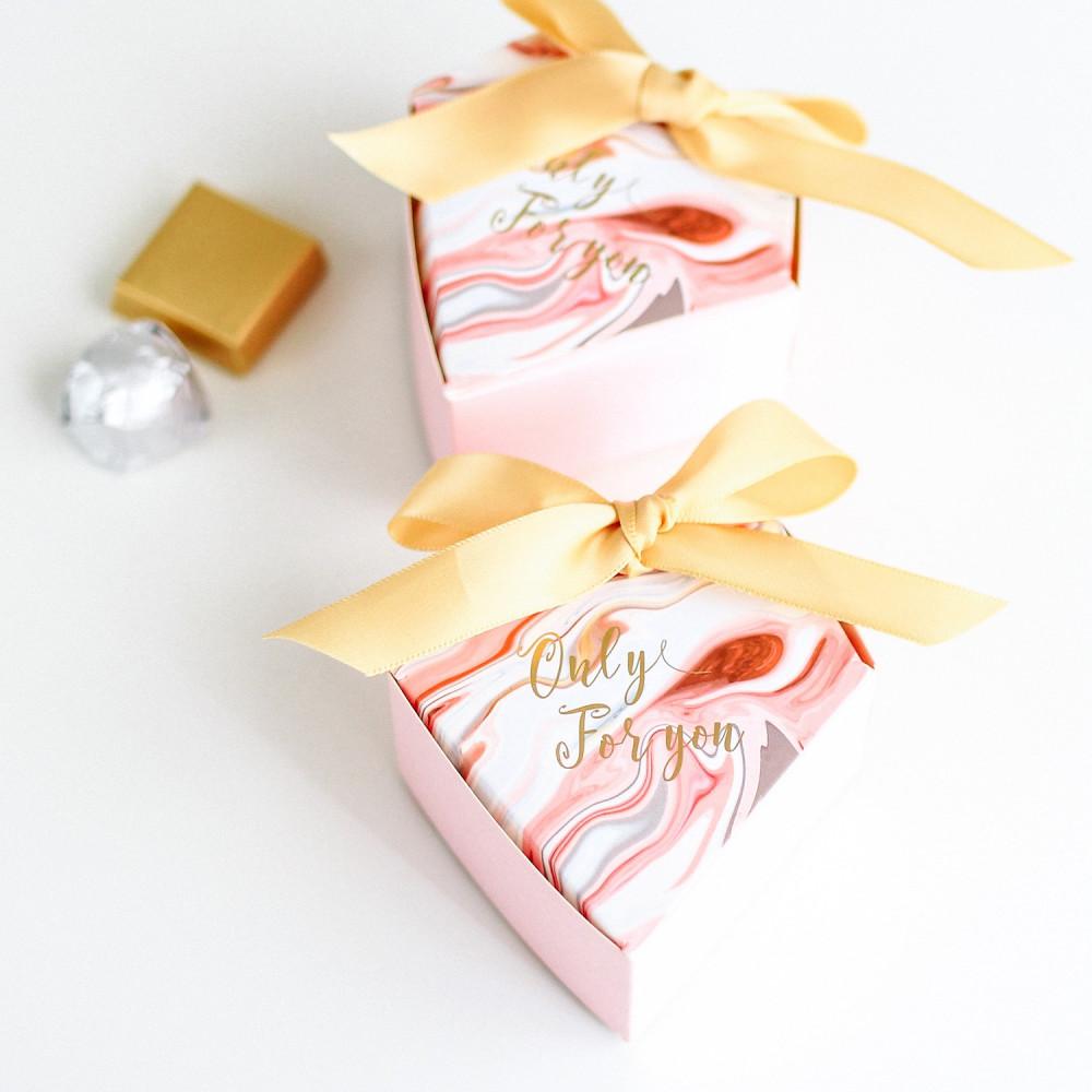 متجر تجهيزات العيد عيديات علب شوكولاتة ثيم العيد أفكار عيدية للكبار