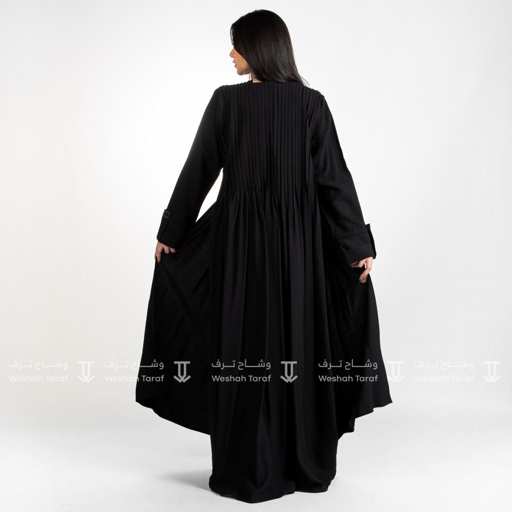 عباية قماش لنن كسرات الصدر و الظهر مسكرة من الامام بأزرار صدفية لون أ