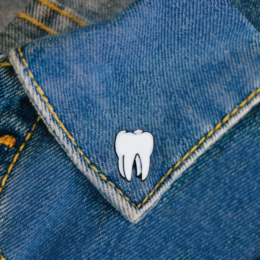 بروش سن طبيبة أسنان كلية طب الأسنان اكسسوارات طبية لاب كوت دبوس مشبك