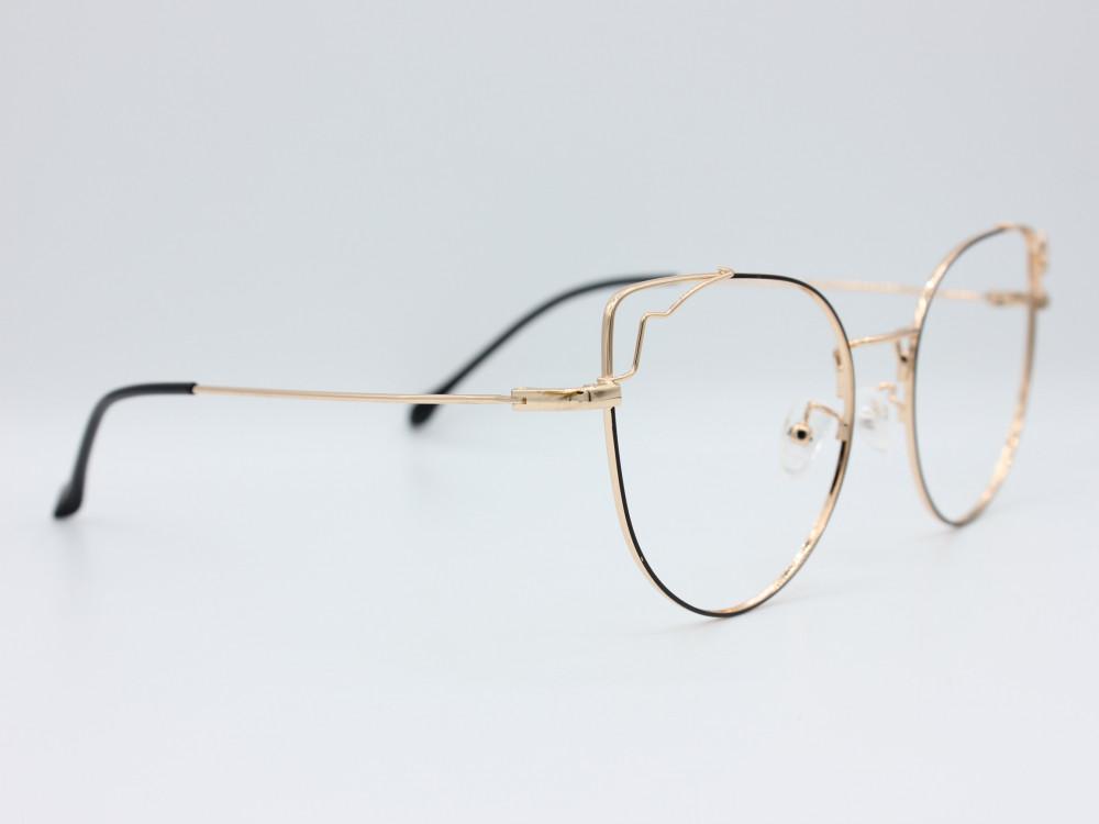 نظارة طبية نسائيه من ماركة T كلاسيك مع عدسات بحماية لون الاطار اسود و