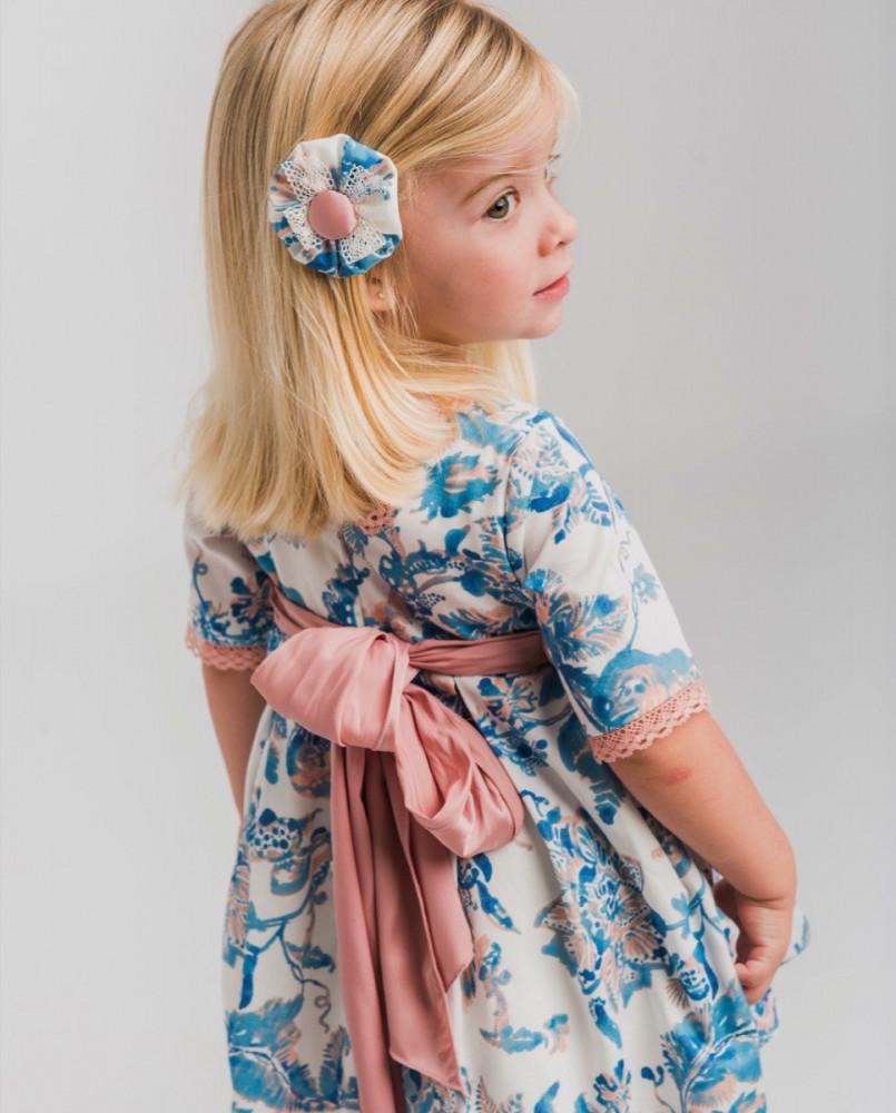 فستان-الزهرات-الزرقاء-اسباني