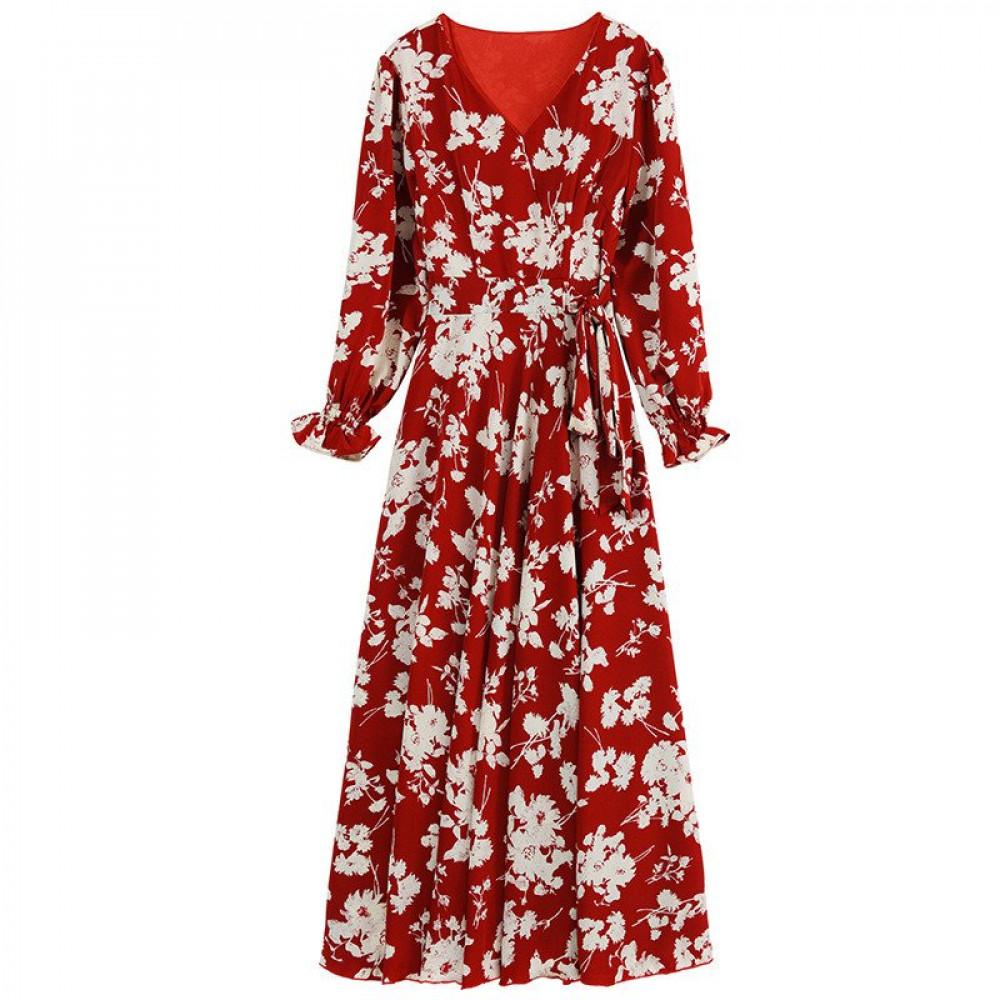 فستان طويل من الشيفون مزين بنقشة الزهور
