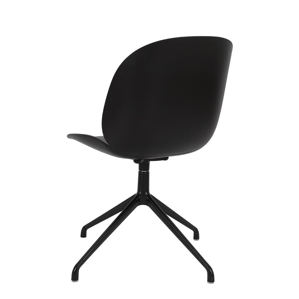 طقم كراسي نيت هوم أسود يوتريد بتصميم جذاب يتماشى مع أحدث صيحات الموضة