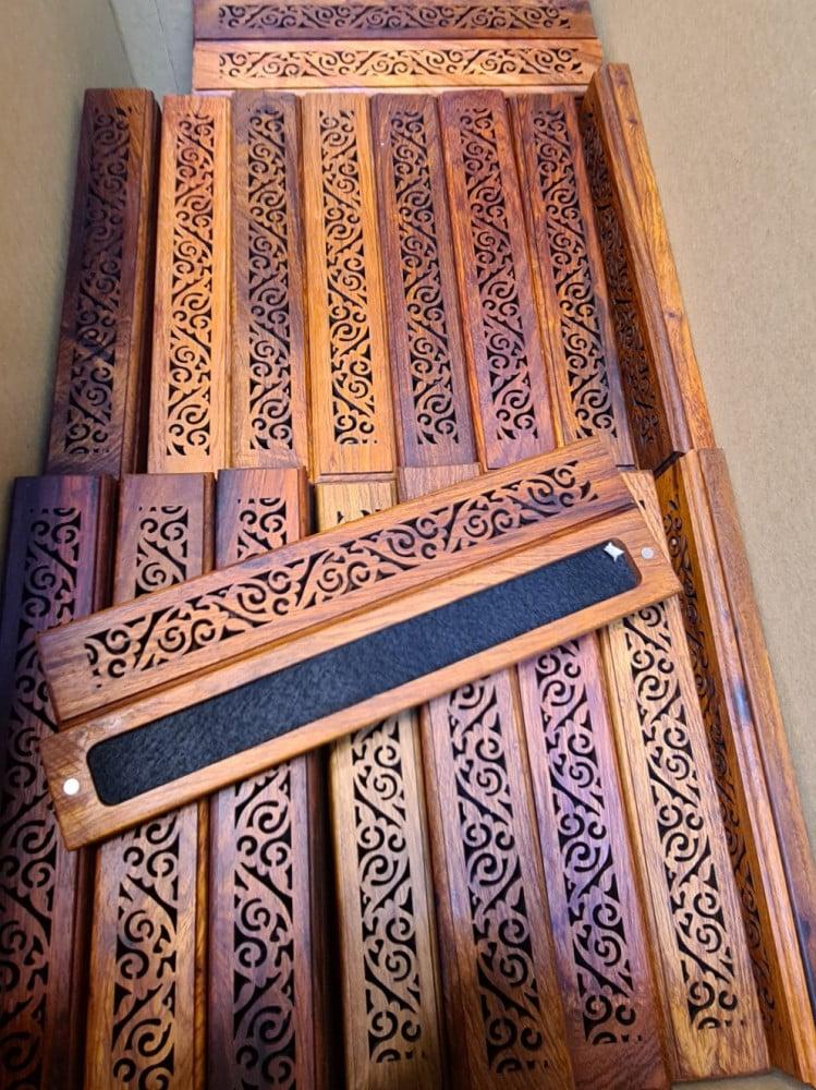 مبخرة بادوك خشب طبيعي