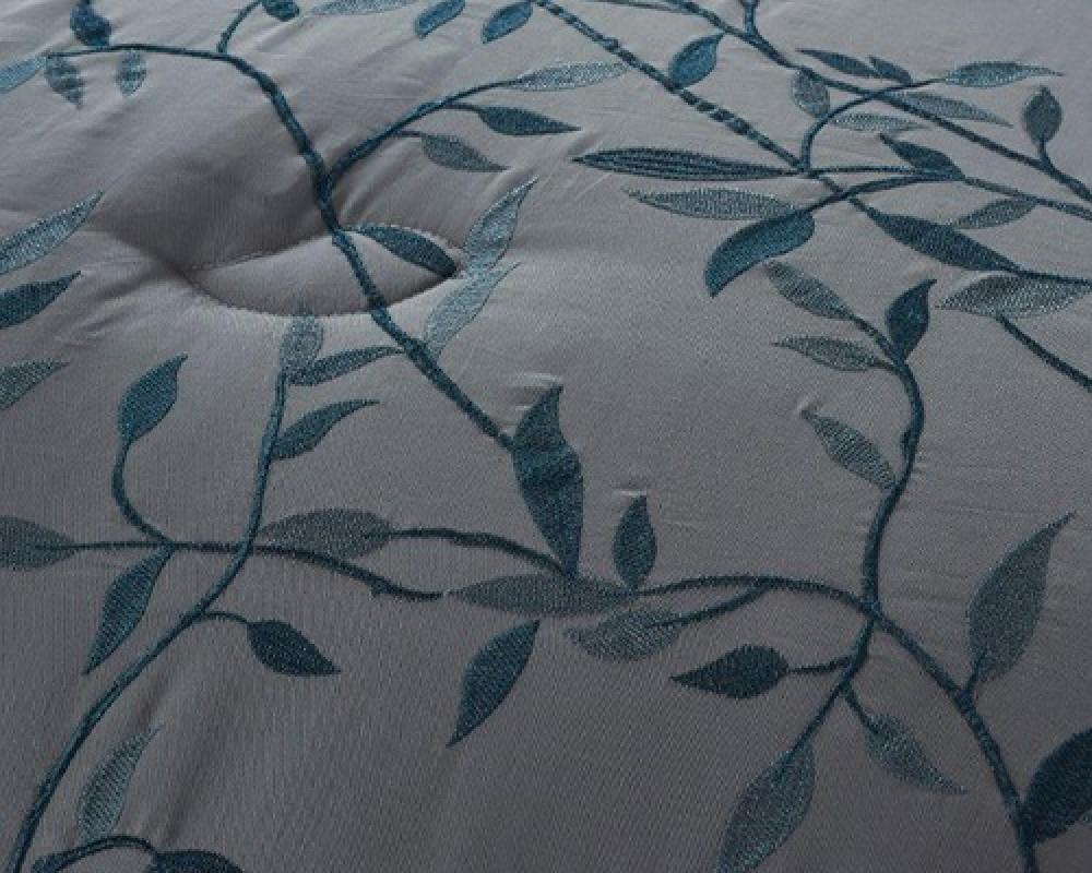 مفرش سرير نفرين مطرز و فخم لونه رمادي غامق