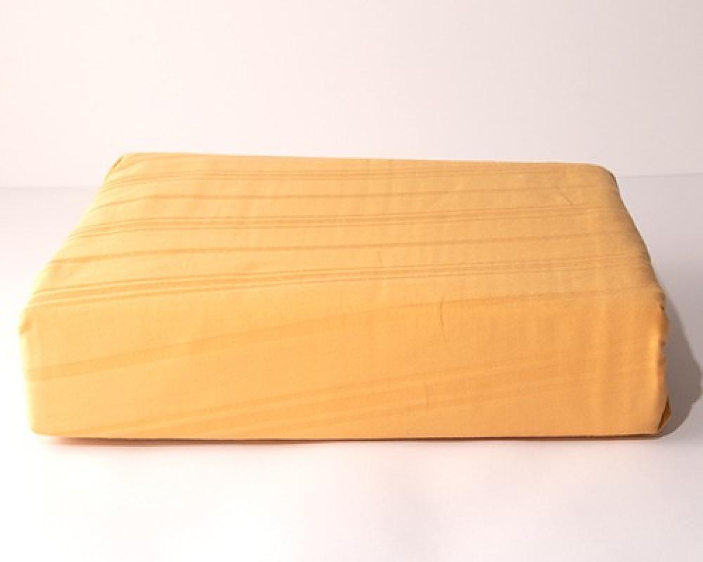شرشف سرير نفر ونص مقلم لونه برتقالي