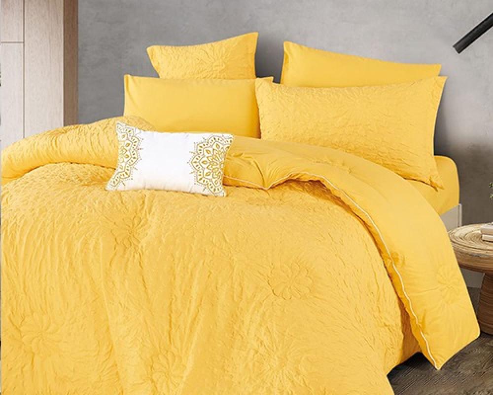 مفرش سرير نفر ونص مطرز وفخم لونه اصفر