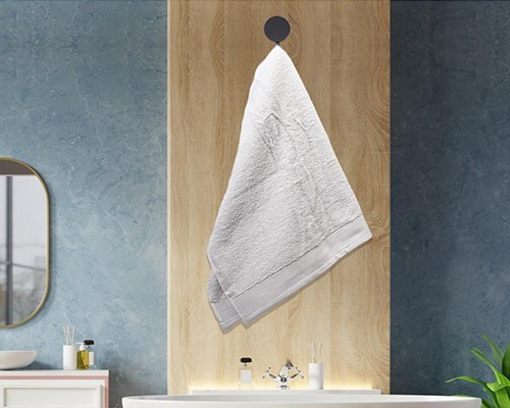 منشفة ضيوف لونها ابيض تستخدم للوجه او اليدين