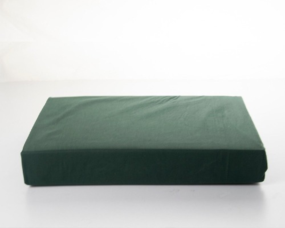 شرشف سرير نفرين قطن لونه اخضر غامق
