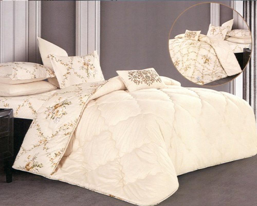 مفرش سرير نفر ونص بوجهين لونه بيج