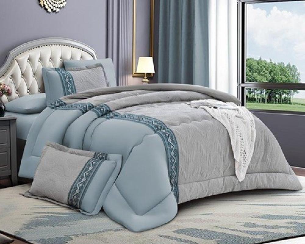 مفرش سرير مطرز نفرين صيفي لونه بحري